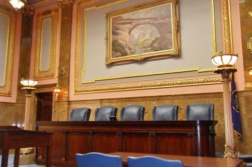 1024px-Utah_Supreme_Court_chamber_capitol_2010