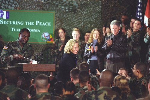 President_Clinton,_Hillary_Rodham_Clinton_and_Chelsea_Clinton_greet_troops_at_Tuzla_Air_Force_Base_in_Bosnia_-_Flickr_-_The_Central_Intelligence_Agency