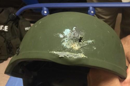 Police_kevlar_helmet,_Orlando