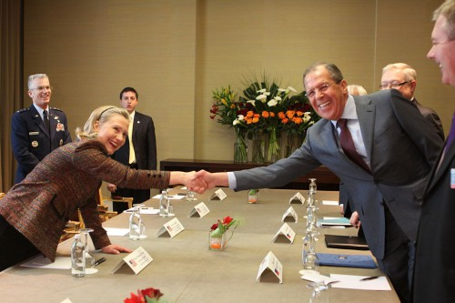 1024px-Secretary_Clinton_Shakes_Hands_With_Russian_Foreign_Minister_Lavrov