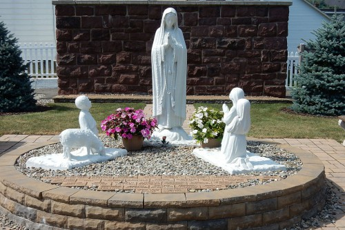 St._Clare_of_Assisi_Church_Grotto,_St._Clair_PA_01