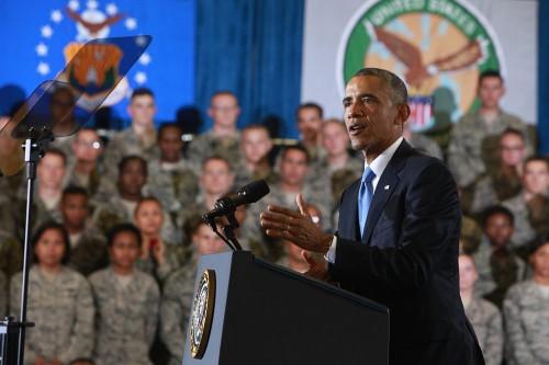 President_visits_USCENTCOM,_MacDill_AFB_140917-M-ZQ516-003