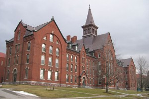 1024px-UVM_Old_Mill_building_20040101
