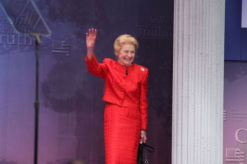 Phyllis_Schlafly,_Founder,_Eagle_Forum,_speaking_on_a_panel_at_CPAC_2012_(6859917003)