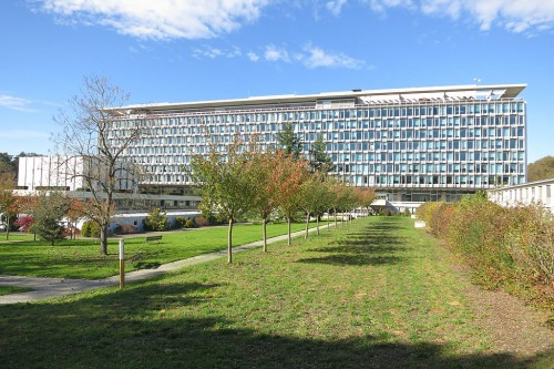 WHO_HQ_main_building,_Geneva_from_South