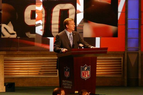 1024px-commissioner_goodell_2009_nfl_draft