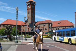 1024px-portland_union_station_with_mounted_patrol_officer
