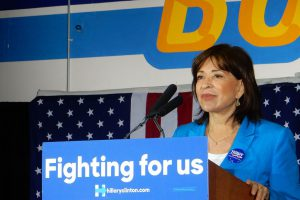 mary_salas_at_clinton_rally-1